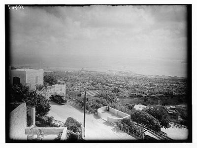 General view of Haifa From Mt. Carmel looking west , 1934-1939. (Photo: Maston Collection.)